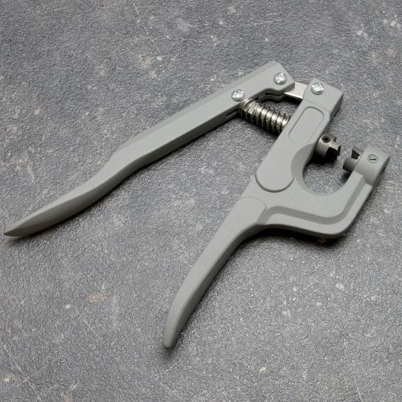 пистолет за метални накрайници